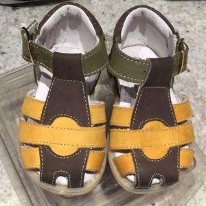 Minibel tri-colour suede shoes, size 18